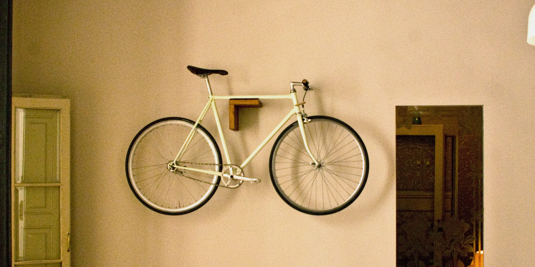 pin up your bike by woodloops